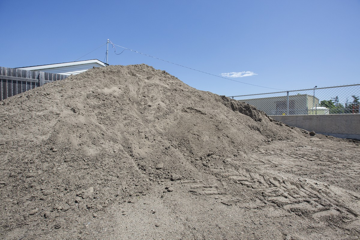 Soils & dirt in bulk piles